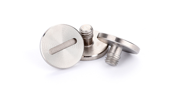 如何正确地选择精密小螺丝?非标紧固件定制厂家告诉您